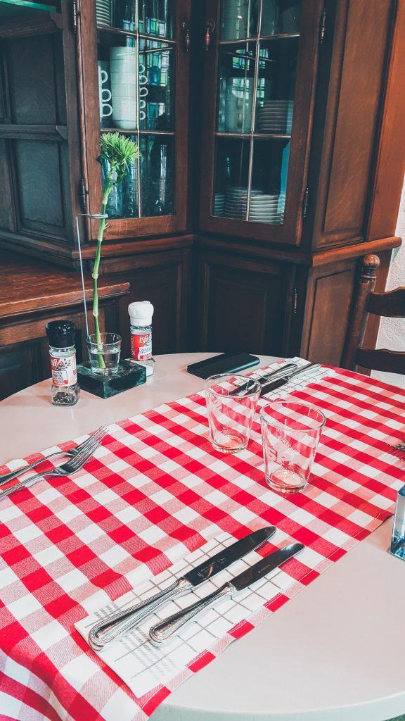 't Huidevettershuis-restaurant Bruges-restaurant room