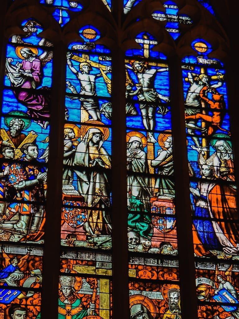 Hospices de Beaune - vitrail chapelle