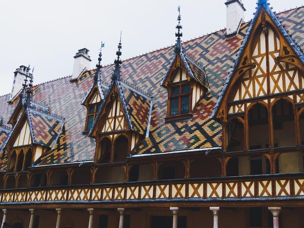 Hospices de Beaunes - toits bourguignons