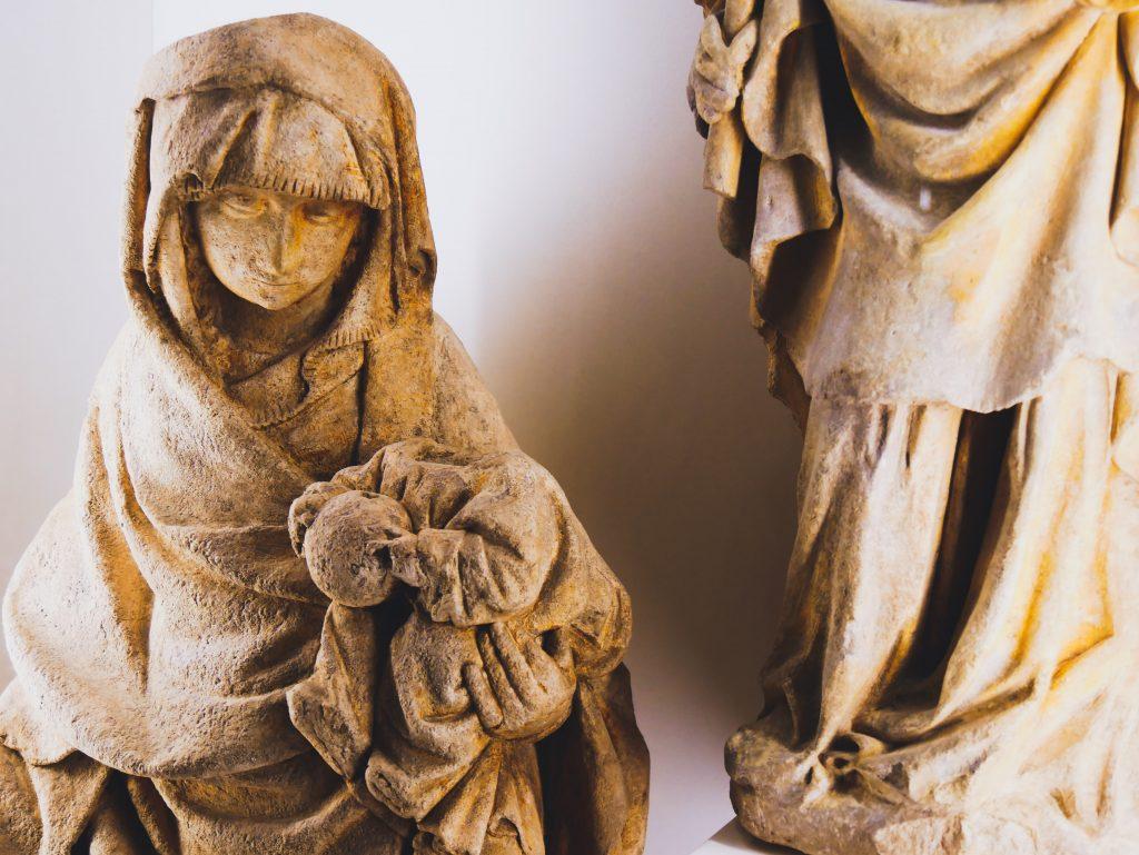 Statue Salle Saint-Louis - Hospices de Beaune