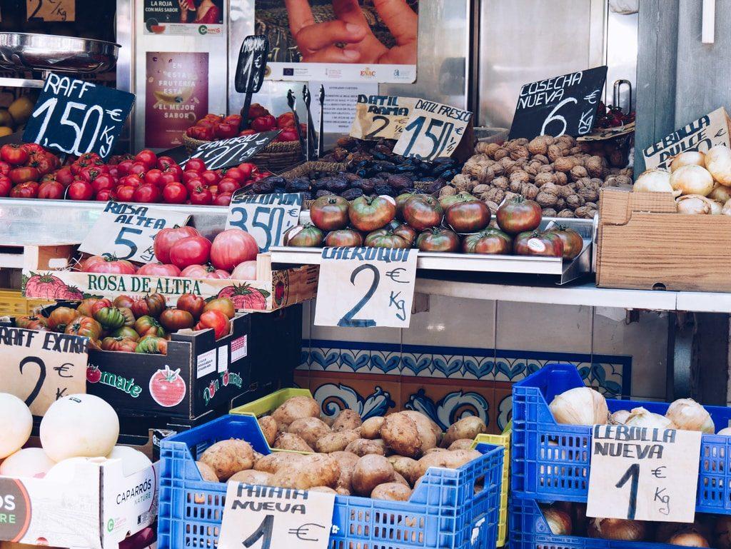 Marché central de Valence - extérieur - légume
