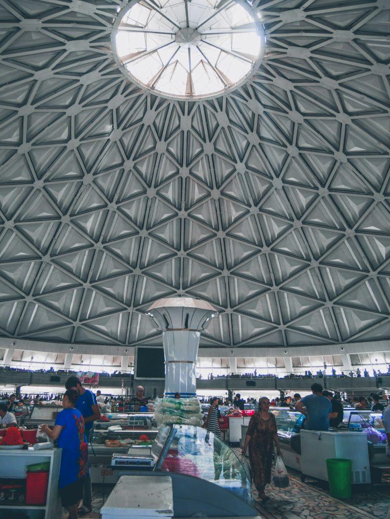Tachkent-intérieur-du-Bazar-Tchorsou