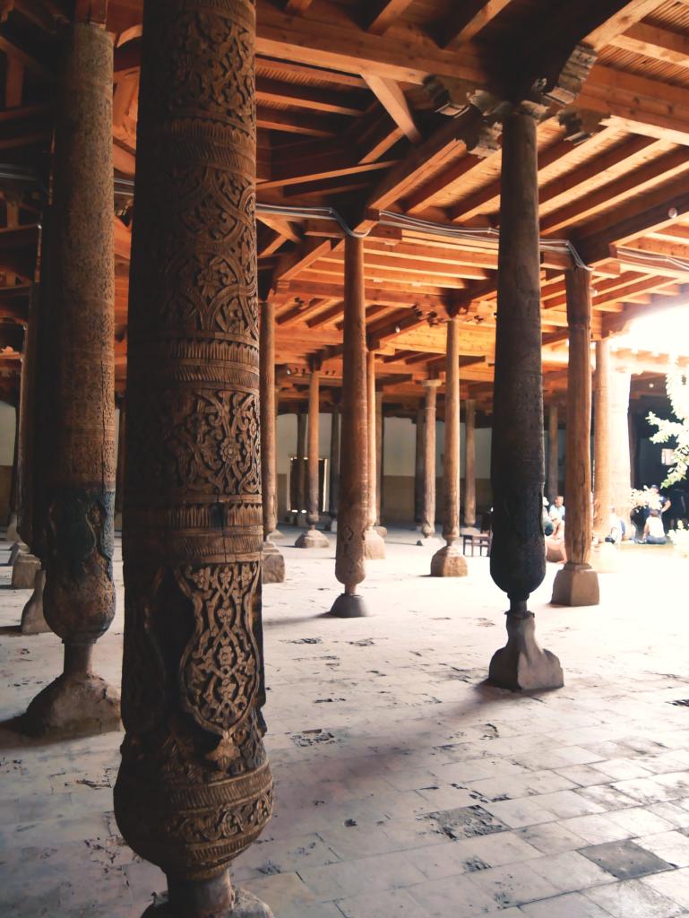 Mosquée-Djouma-colonnes-khiva