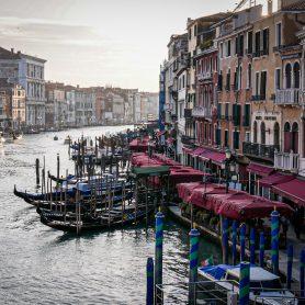 Grand Canal de Venise - vue du Rialto