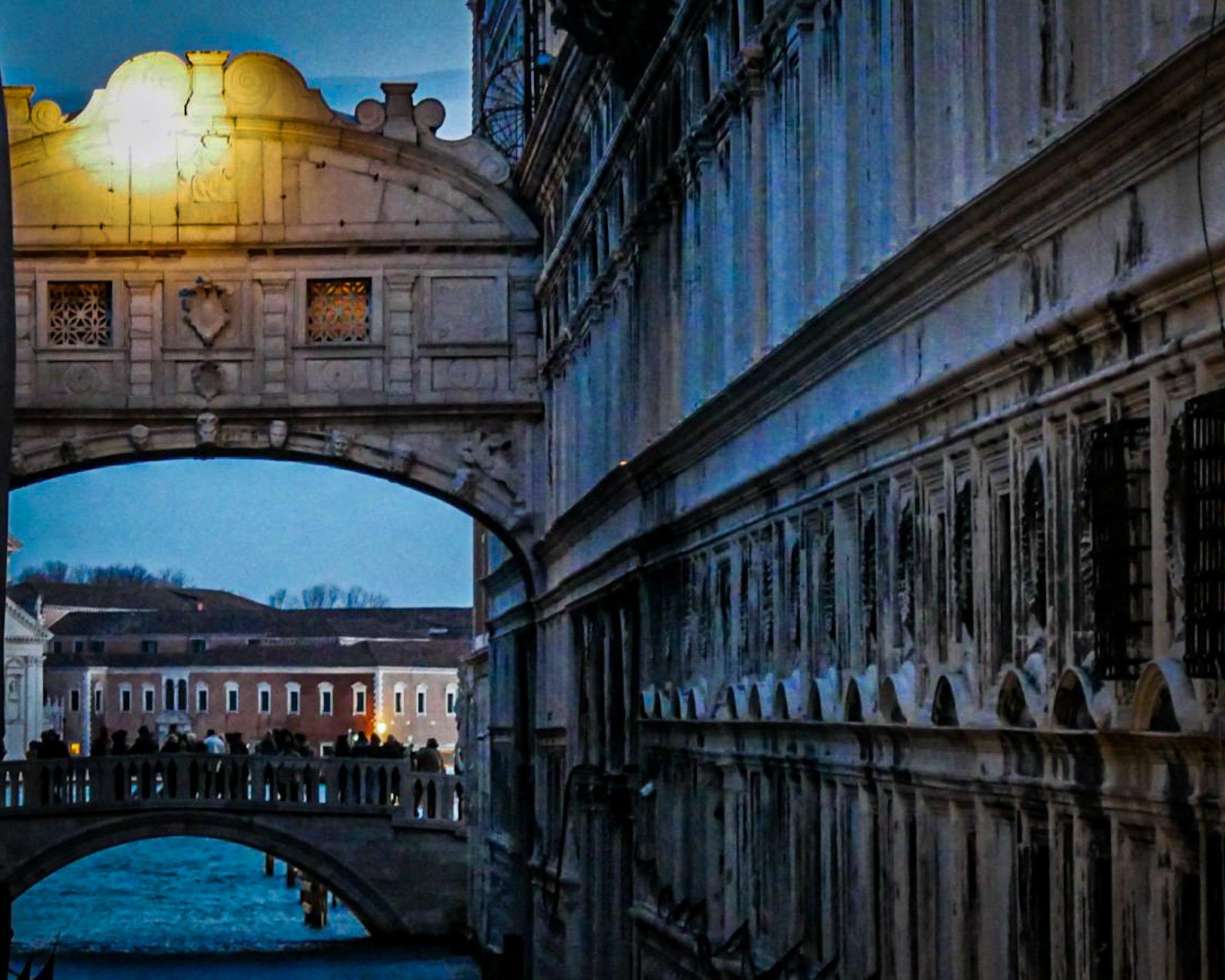 The Bridge of Sighs at nightfall
