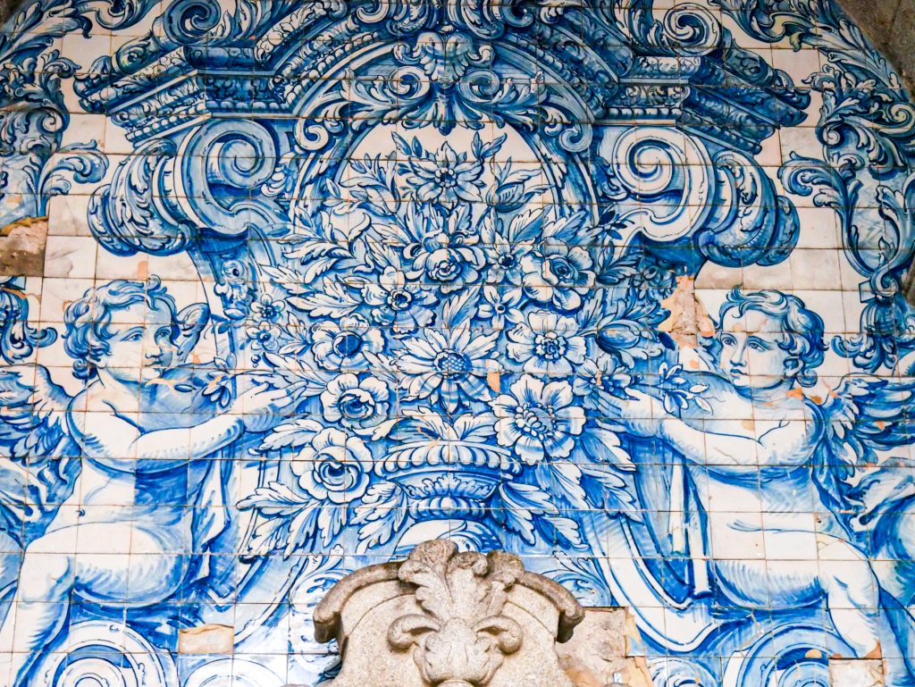 Azulejos - loggia cathédrale de porto
