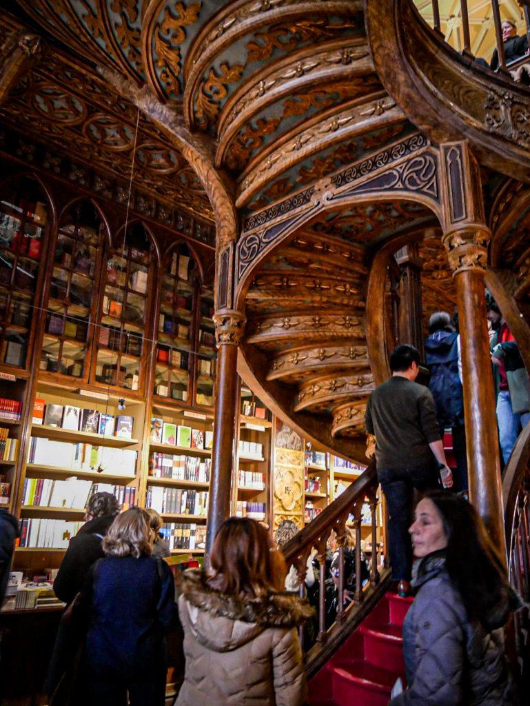 Librairie Lello Porto - escaliers