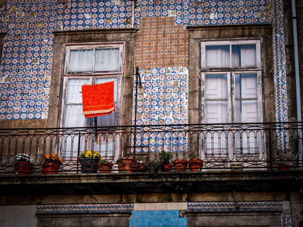 Linge à la fenêtre - La Ribeira - Porto