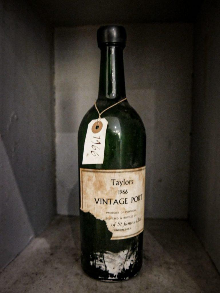Ancienne bouteille de vin de porto - Vila Nova de Gaia