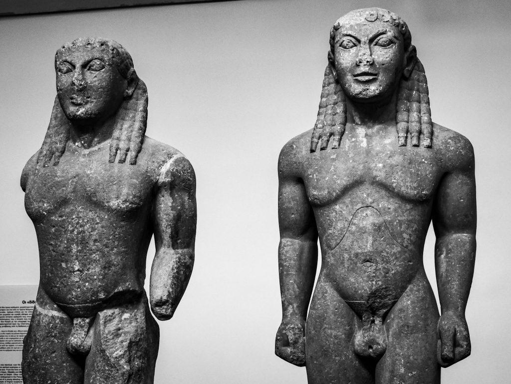 Musée de Delphes - les deux kouros