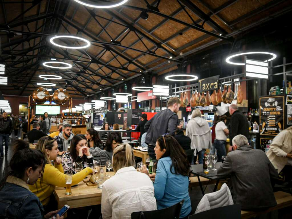 Restaurant porto - marché Vila Nova de Gaia