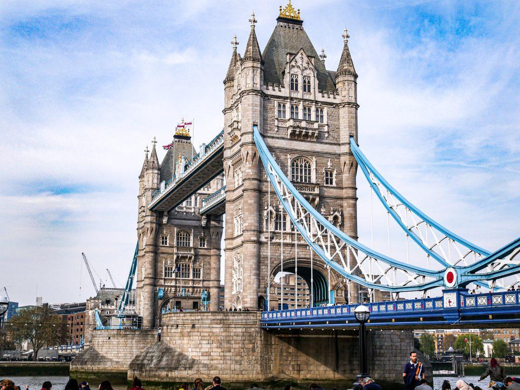 Côté du Tower Bridge - Londres