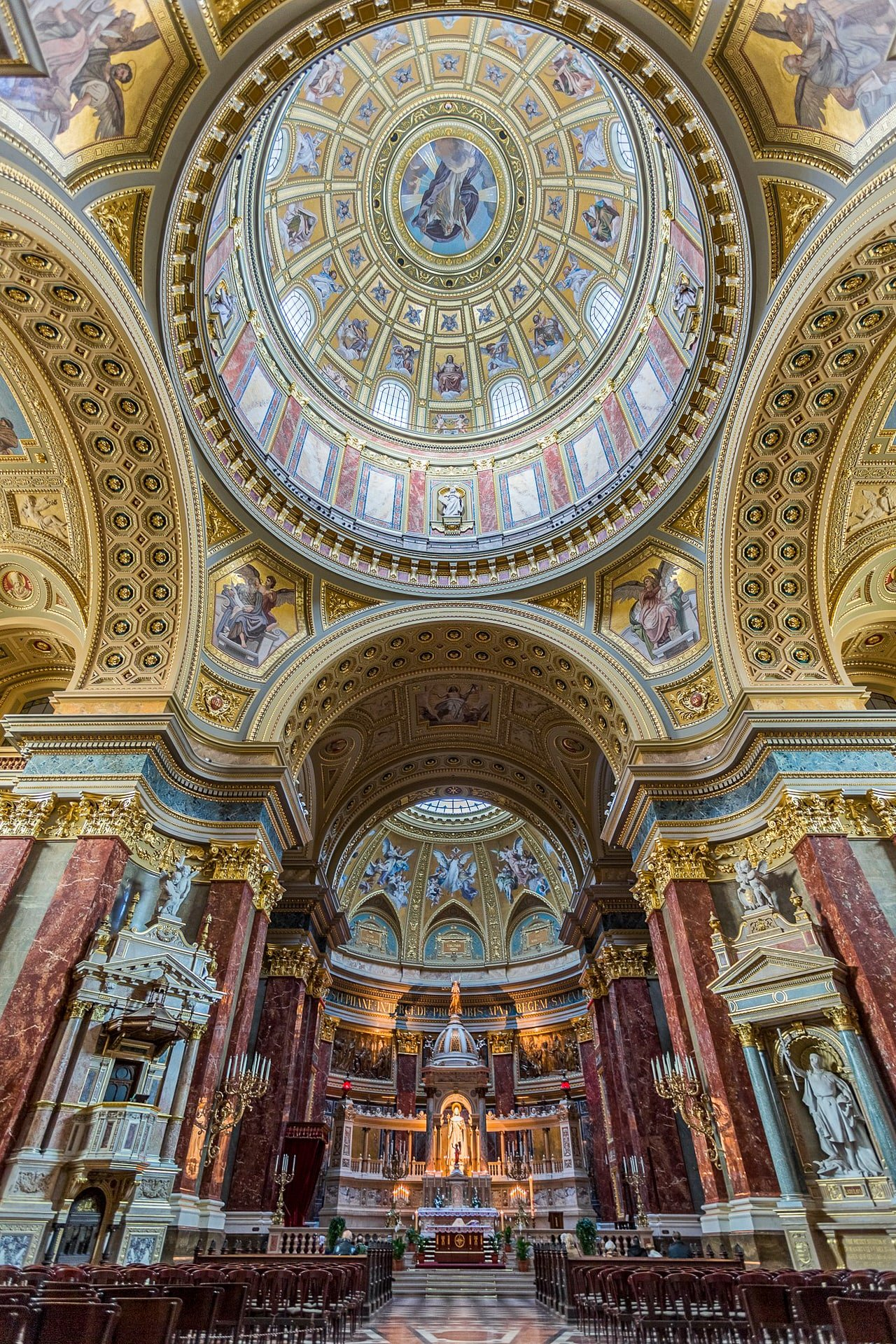 St. Stephen's Basilica in Pest - Budapest - dome