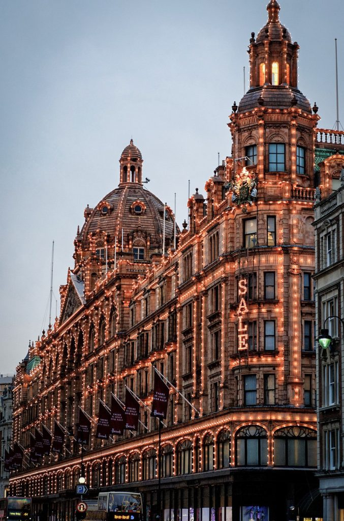 Façade du magasin Harrods à Londres