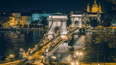 Pont des Chaînes Széchenyi - vue de nuit - Budapest