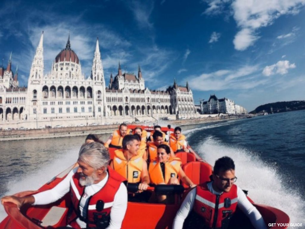 Speedboat cruise on the Danube - Budapest © GetYourGuide
