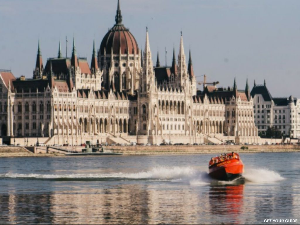 Speedboat on the Danube - Budapest © GetYourGuide
