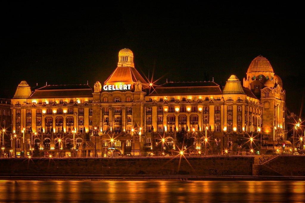 Bains Gellért - Budapest - nuit