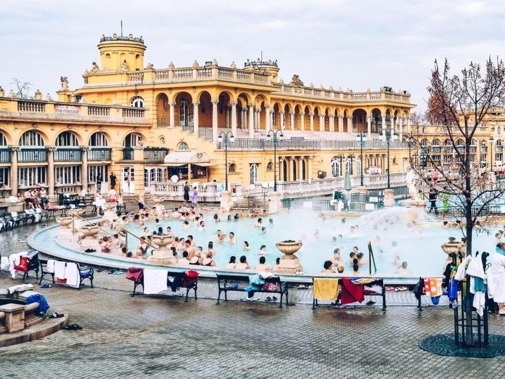 Visiter Budapest - Thermes Széchenyi