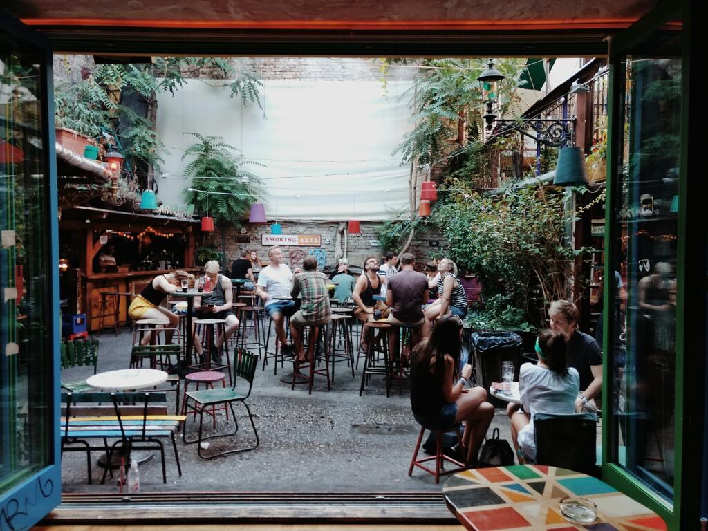 Ruin-bar-à-Budapest