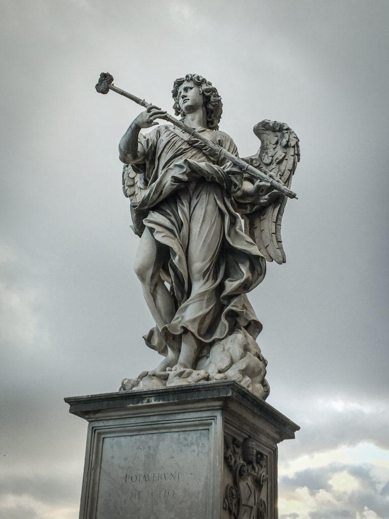 Château Saint-Ange - statue de l'archange