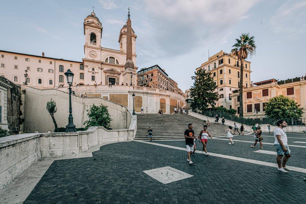Piazza di Spagna - Église de la Trinité-des-Monts