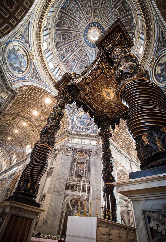 Basilique Saint-Pierre - Baldaquin du Bernin